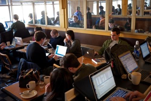 Busy Coffeeshop, cortesía de Kevin Harber