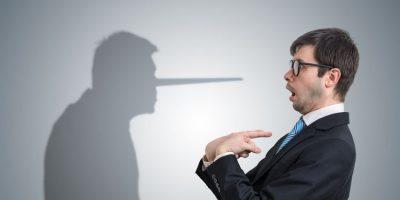 Nariz de Pinocho como ejemplo de por qué las mentiras limitan tu efectividad