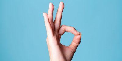 Gesto de OK con la mano como ejemplo de GTD: De decisiones correctas a elecciones adecuadas