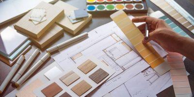 Arquitecto eligiendo materiales como ejemplo de significado de material de apoyo en GTD®