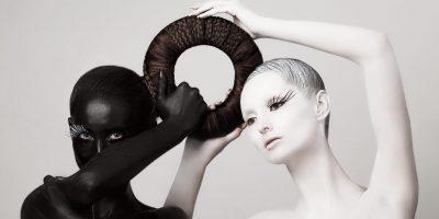 Mujeres negra y blanca como ejemplo de la delgada línea entre rigor y fundamentalismo