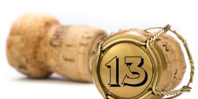 13 en corcho de cava como ejemplo de el blog Óptima Infinito cumple 13 años